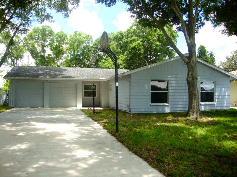 11599 Oval Drive E., Largo, Fl. 33774  MLS # U7741657   $194,999.00